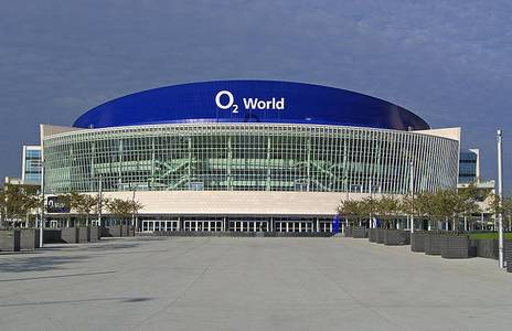 File:O2 World Berlin.JPG