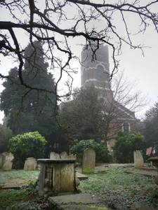 File:St John at Hampstead, churchyard - geograph.org.uk - 1121581.jpg