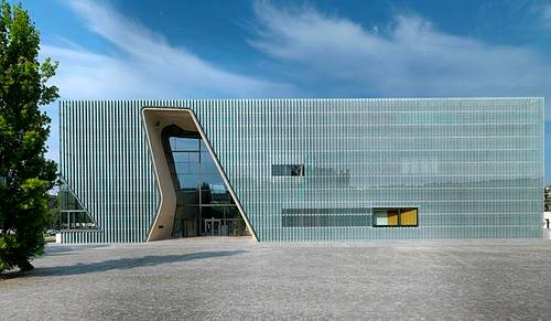 File:Museum of the History of Polish Jews in Warsaw building 0011.jpg