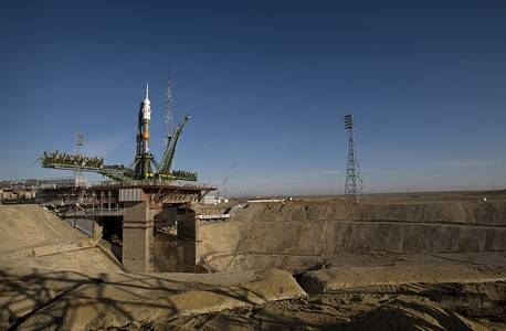 File:Soyuz expedition 19 launch pad.jpg
