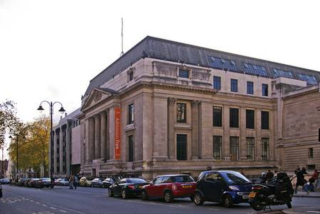 File:Natural History Museum, Exhibition Road, London SW7 - geograph.org.uk - 1128801.jpg