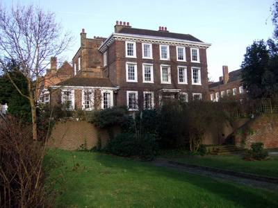 File:Burgh House in New End Square - geograph.org.uk - 674944.jpg