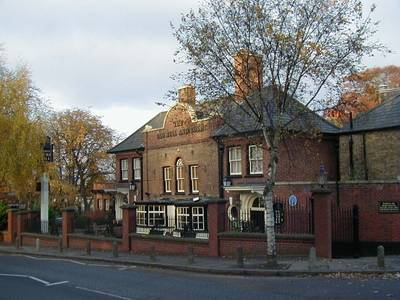 File:Old Bull and Bush Pub.jpg